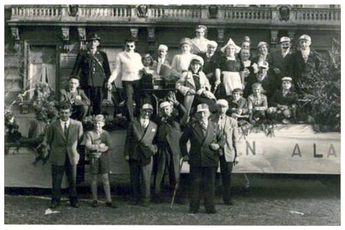 """Première photo de groupe des """"Djoyeux Cooytais"""" en 1957"""